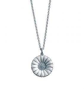 Georg Jensen - Daisyhalskæde i sølvmed hvid emalje. Margueritten har en diameter på 18 mm. Kæden måler 45 cm. 3536208.
