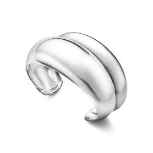 Georg Jensen -Curve armring i sølv. Armringen er designet medskulpturelle organiske kurver. 20000026000.