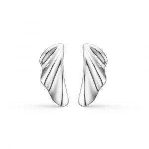 Mads Z - Velvet ørestikker i sølv. De fine øreringe er designet med en blød organisk let bølget form. 2110088.