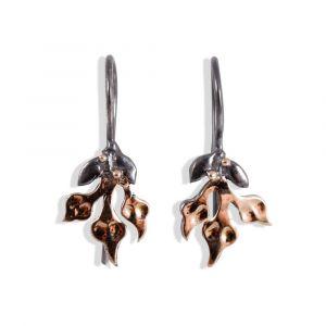 By Birdie - Windsor Bouquet øreringe i sølv med 14 karat guld. På de fine øreringe hænger små blade, belagtmed 14 karat guld. 50801253.