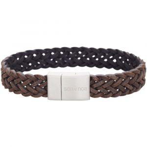 SON of NOA - SON herre læderarmbånd. Dette armbånd er fremstilleti mørkebrunflettet kalveskind, med lås i børstet stål.897-011-GREY.