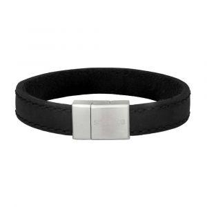 SON of NOA - SON herre læderarmbånd. Det er designet medsort kalvelæder og en lås i børstet stål.897-016-BLACK