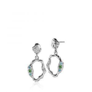 Izabel Camille - Ocean øreringe i rhodineret sølv med blå og grønne zirkonia. De er designet med åbne organiske former og en rå overflade. 25 x 12 mm.a1727sws.