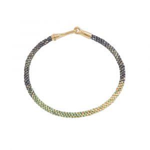 Ole Lynggaard - Life Safari armbånd med håndknyttet reb i sarte grønne og gule farver. Den elegante lås i 18 karat guld, er designet med en krog. A3040-405
