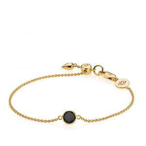 Izabel Camille - Prima Donna armbånd i forgyldt sølv. Armbåndet er designet med et rundt fastvedhæng, udsmykket meden sort onyx. a3057gs-black-ony