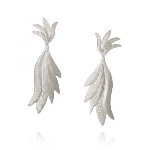 Dulong - Aura øreringe i sølv. De elegante øreringe er formet som blade, meden smukmatteret overflade. AUR1-F1070