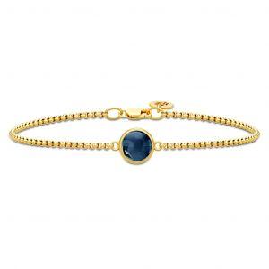 Primini armbånd i forgyldt sølv, med rund safirblå krystal fra Julie Sandlau. BR258GDSACR