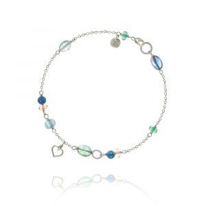 Dulong - Piccolo Sea Breeze armbånd i sølv. På dendelikate kædeerenkelte små faste vedhæng, samtblå safir, smaragd, gul citrin, kyanite og akvamarin. PIC4-A1115.