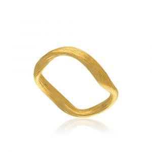 Dulong - Vega ring i 18 karat guld. Ringen er designet med en næsten flydende organisk form, og en smuk elegant silkemat overflade. VEG3-A1050.