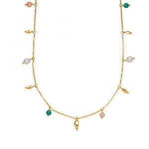 Sistie - Mia x Sistie halskæde i forgyldt sølv, med faste vedhæng langs kæden. Blandt de små vedhæng er; peach moonstone, ferskvandsperler og grønne onyx. z2016gs.