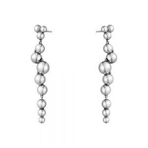 Georg Jensen - Moonlight Grapes øreringe i sølv. De fine ørestikker er designetsom langeabstrakte vindrueklaser. Højde: 59 mm. 10019040.