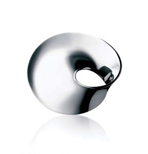 Georg Jensen - Möbius broche i sølv. Denne brocheer en klassiker, designet i 1968. Mål: 42 mm x 35 mm. 3531736.