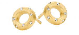 Spirit Icons - Taste ørestikker i forgyldt sølv. De fine øreringe er designet som en åben matteret cirkel, udsmykket medenkelte hvide zirkonia. 40262