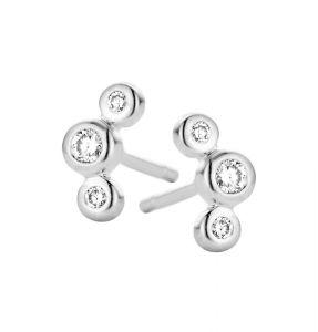 Spirit Icons - Trinity ørestikker i 14 karat hvidguld. Øreringene er designet i en let buet form, med tre brillantslebne diamanter på 0,10ct. 44117