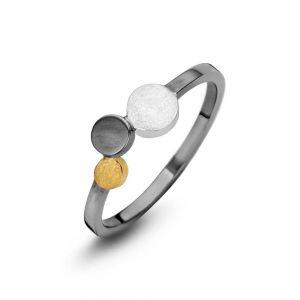 Spirit Icons - Steps ring i 3-farvet sølv. Ringen er i sort ruthineret sølvmed tre cirkler. En i sølv, en i forgyldt sølv, og en isort ruthineret sølv. 53353