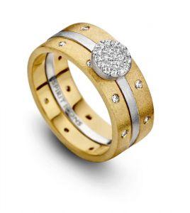 Spirit Icons - Campaign 8 sæt - 3 ringe med mat overflade. Den midterste sølv ring har en cirkel med zirkonia. To ringe er i forgyldt sølv med zirkonia. 80008