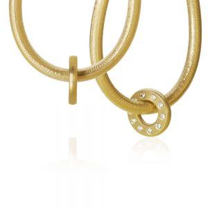 Dulong Anello vedhæng til øreringe i 18 karat guld med brillanter, hver formet som en lille cirkel. ANE2-A2050