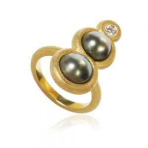 Dulong Glory ring i 18 karat guld med Tahiti perler og diamant
