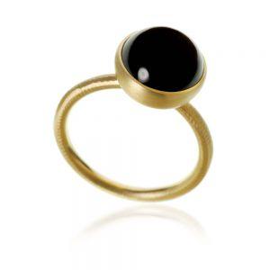 Dulong Pacific ring i 18 karat guld, med en rund sortspinel. PAC3-A1100
